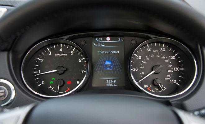 2014 Nissan Qashqai instrument panel