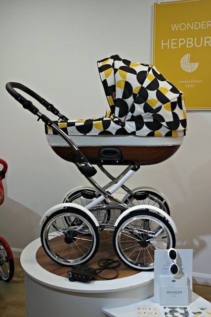 Cosatto Wonder Travel System in Hepburn