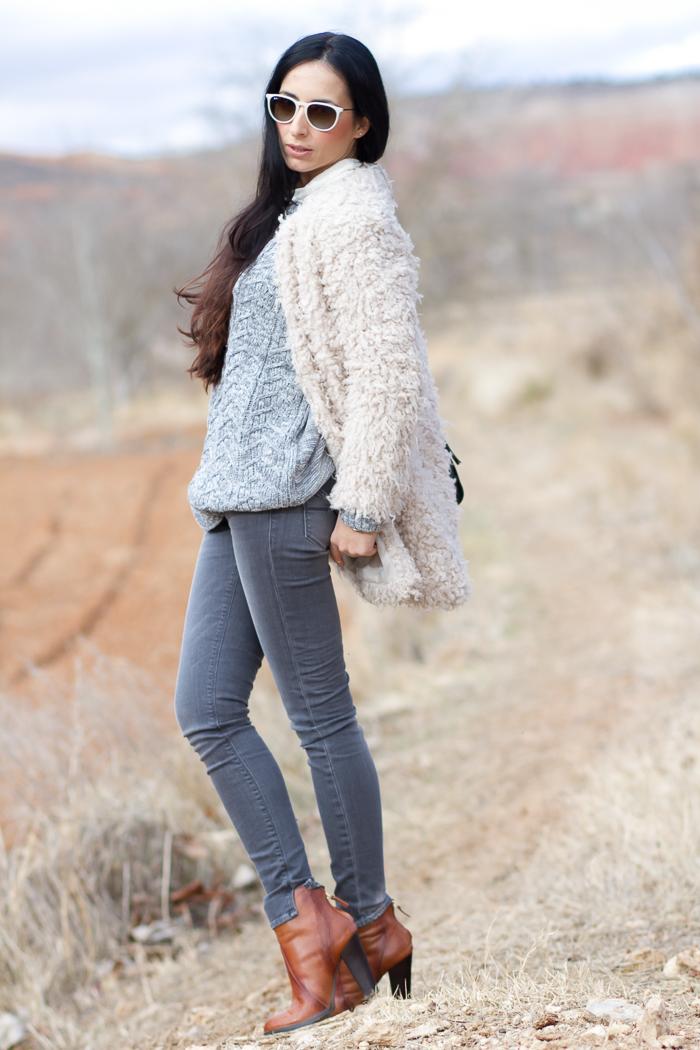 Casual outfit with Faux Fur Coat by Zara and Meltin' Pot grey skinny jeans styled by fashion Blogger withorwithoutshoes