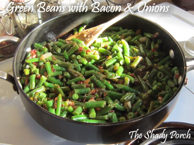 Green Beans with Onion and Bacon #sidedish #dinner #vegetables #recipe