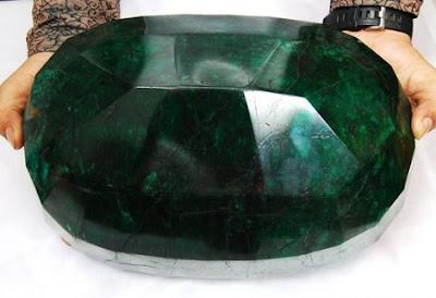 Batu permata paling besar di dunia