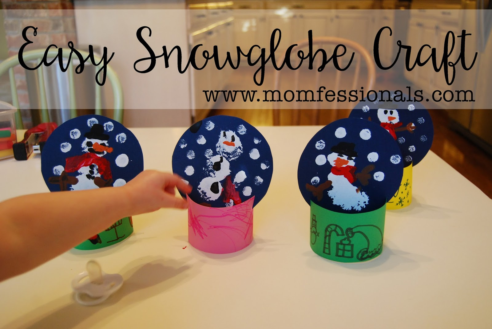 Momfessionals easy winter snowglobe craft for Snow globe craft for kids
