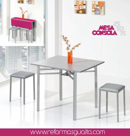 Una mesa a color que ocupa poco espacio en la cocina