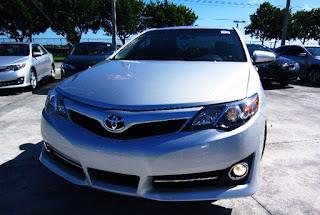 2012 Toyota Camry SE Review Exterior