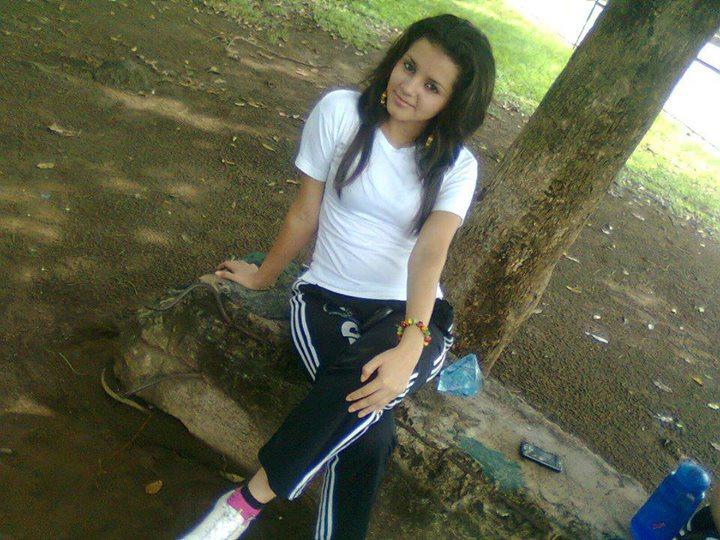Buscar chicas de Honduras en Colon