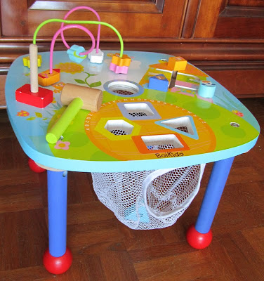 Top produits b b une jolie table d 39 activit s en bois for Table d activite bebe