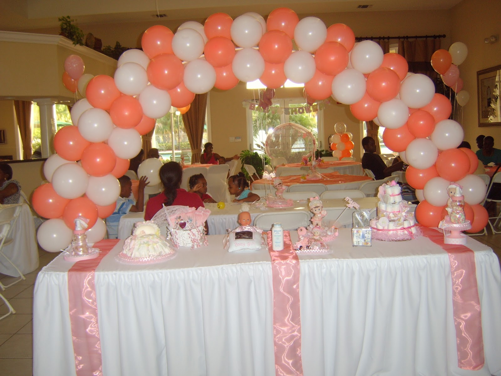 Balloon designs pictures balloon arch for Balloon decoration arches