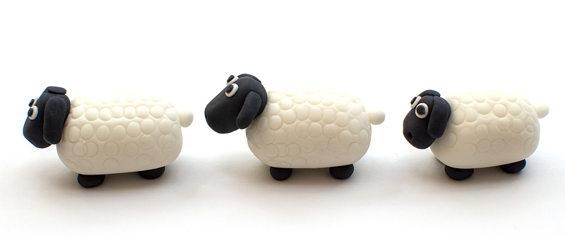 Sheep fondant figurine trio side up