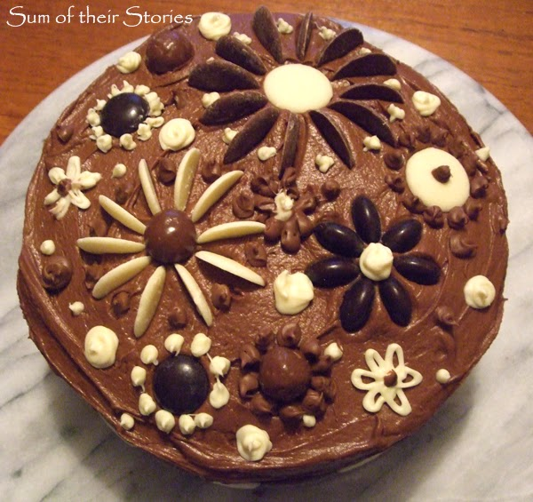 chocolate cake simple decoration