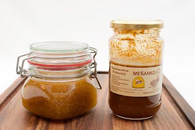 Mešanko in mešanica ingverja in medu