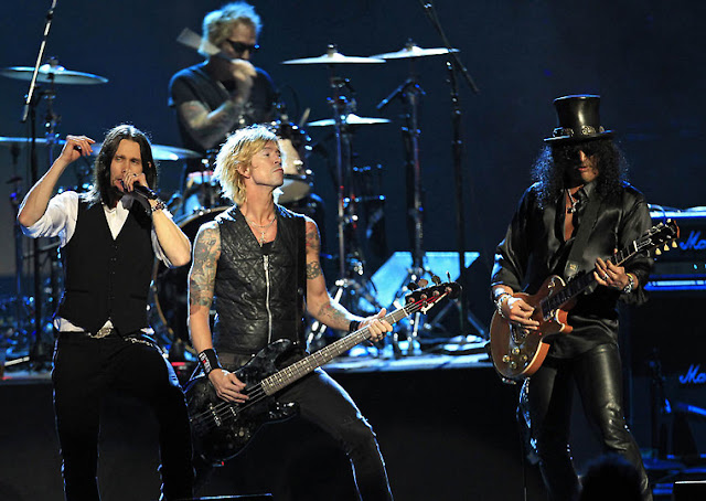 gnr hall of fame show slash duff myles matt