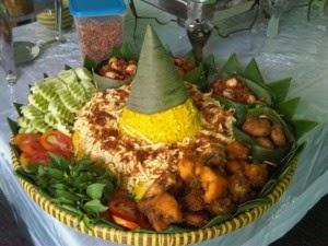 Resep Cara Membuat Nasi Tumpeng Gurih Khas Nusantara