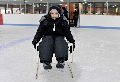 Over kinderen gesproken, wat dacht je van stoelen op de schaatsbaan