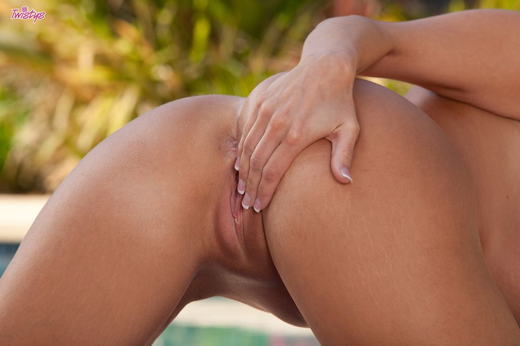 www.CelebTiger.com++SEXY+BABE+DYLAN+RIDERS+NUDE+OUTDOOR+ +POOL+TIME+or+PUSSY+TIME+069 Porn Star Dylan Ryder PoolSite Naked Poses HQ Photo Gallery