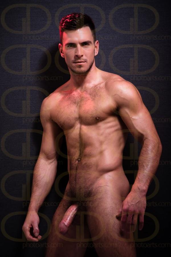 nude Nick Bateman