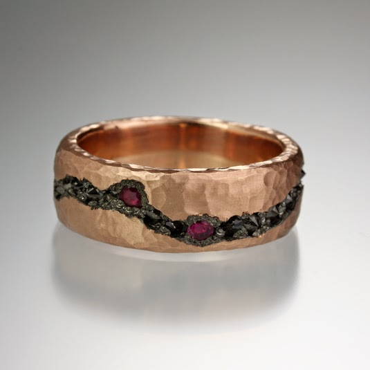 http://quadrumgallery.com/jewelry/product/rose-gold-fissure-cut-band