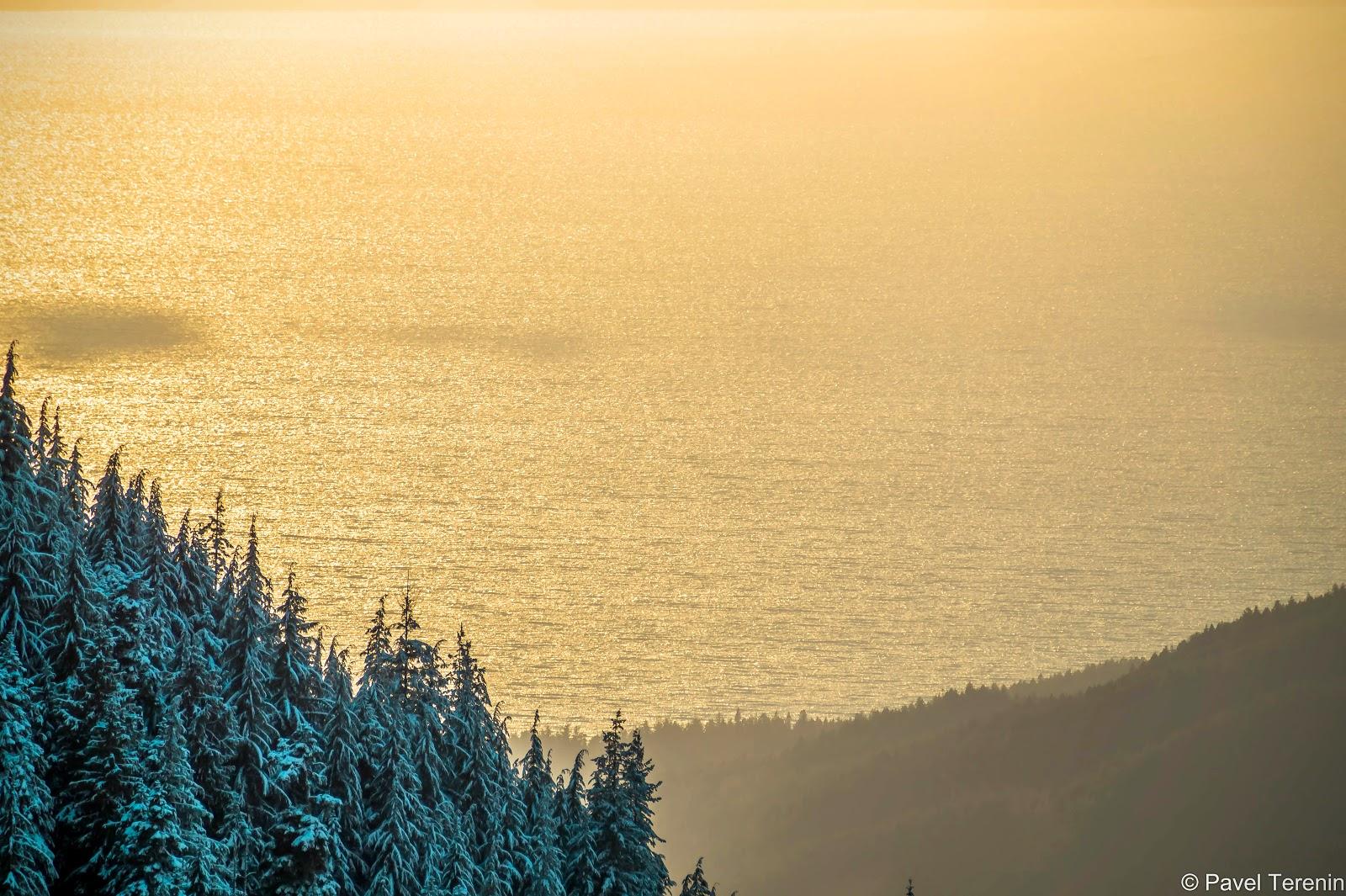 Тем временем солнце стало клониться к закату, окрашивая океан и острова в тёплые цвета.