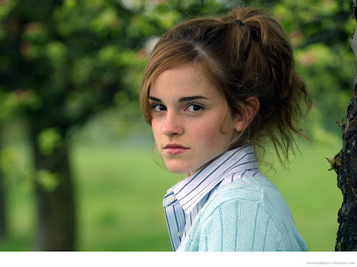 Emma Watson cute girl Wallpapers