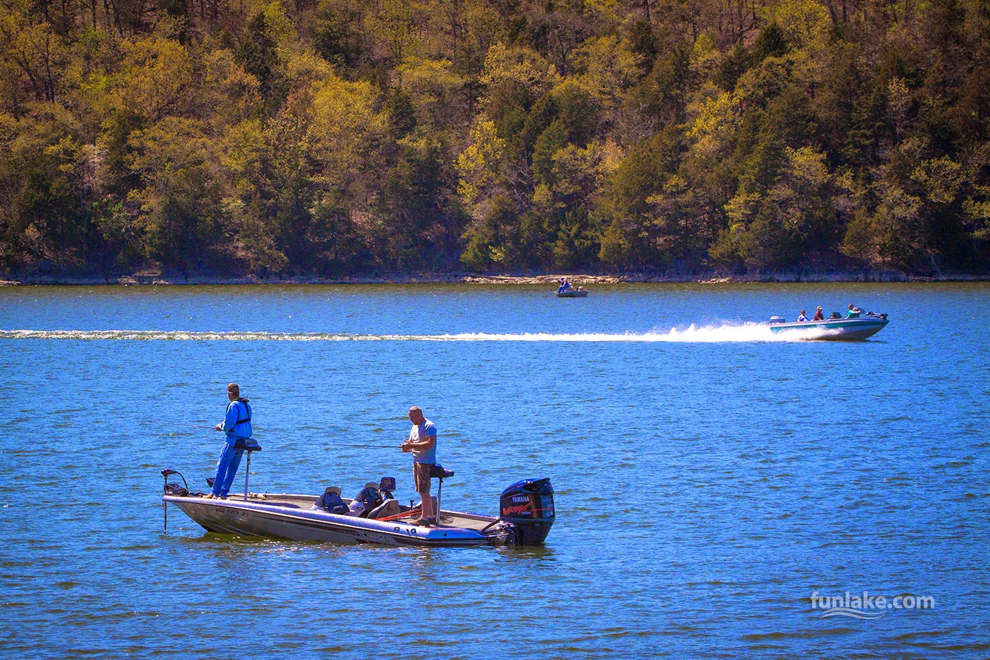 year round fishing at lake of the ozarks