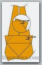 Bước 17: Gấp gấp khúc (gấp chữ Z) hai góc giấy vào trong.