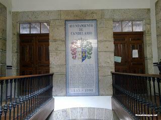 Accesos al salon de plenos del ayuntamiento de Candelario Salamanca