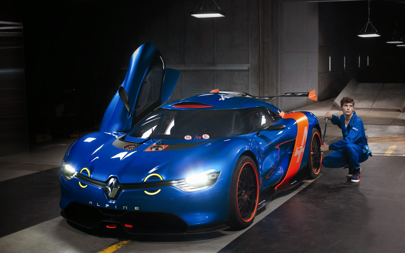 alpine as1 to begin renault 39 s new alpine sports car family vehicle information. Black Bedroom Furniture Sets. Home Design Ideas