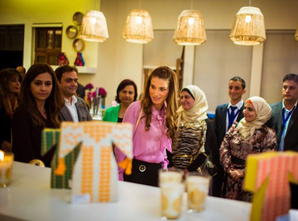 Queen Rania Visited JRF's 20th Anniversary Exhibition
