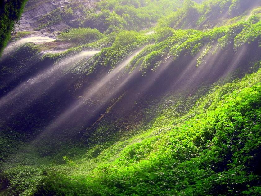 Air terjun cantik di Sulawesi Tengah