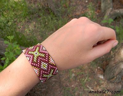 beaded jewelry - beadwoven bracelet