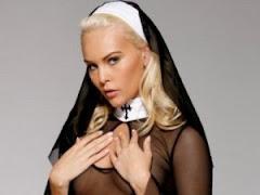 Τι σχέση έχει η Ιερά Σύνοδος, με την Τζούλια?