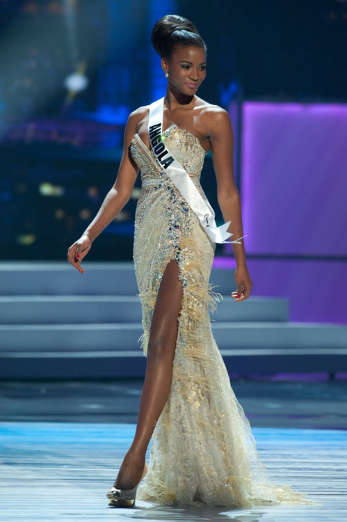SASHES AND TIARAS.....Miss Universe 2011 Preliminaries Evening Gowns ...