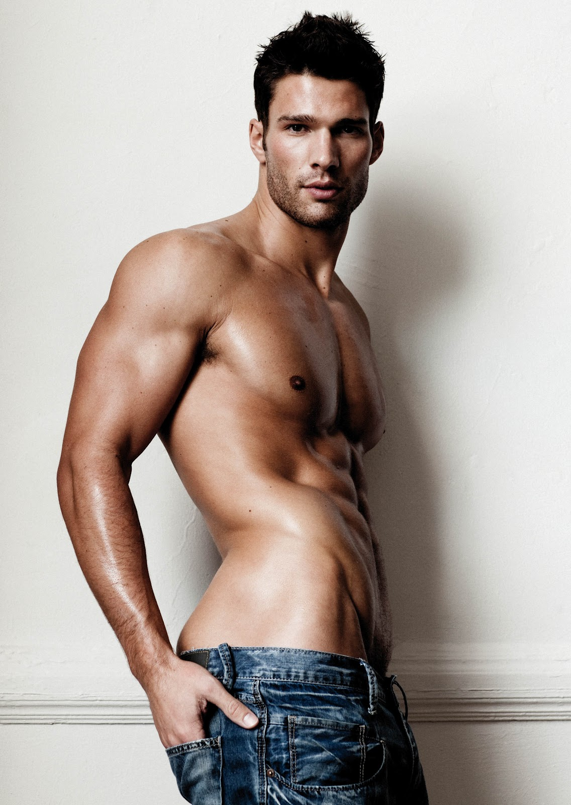 Mike Kagee Fashion Blog American Super Hunk Aaron O