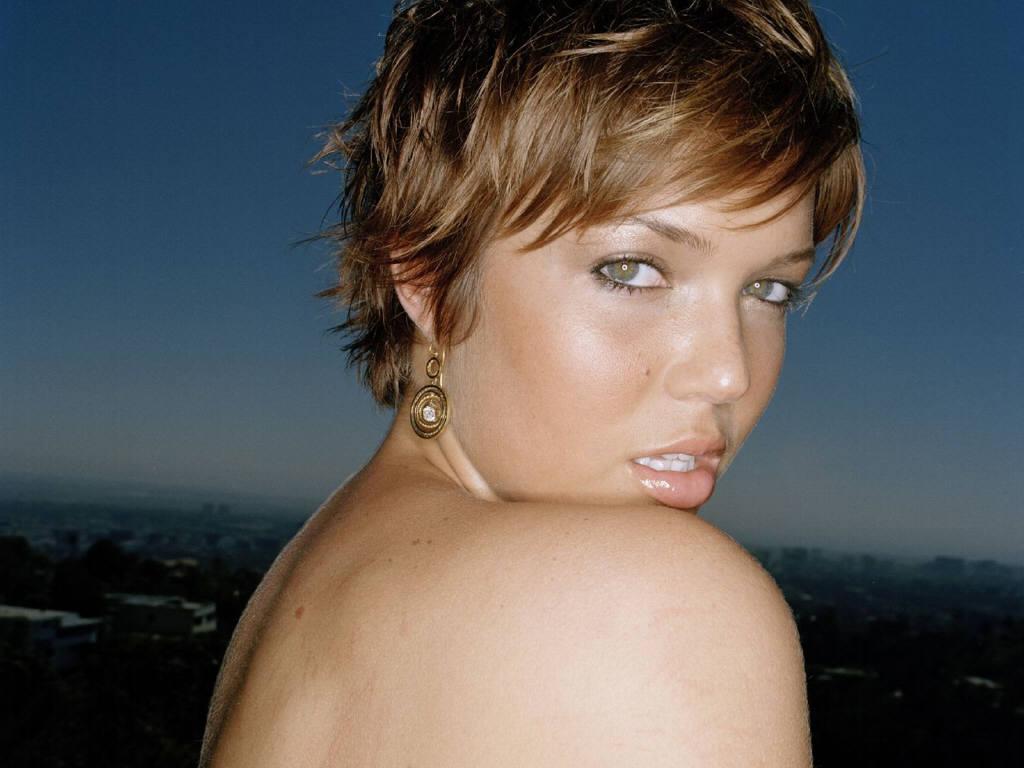 http://2.bp.blogspot.com/-a3jRNLnOvQ4/T4sQkTBkPlI/AAAAAAAAACs/AxPfauZ8pj4/s1600/Mandy-Moore-25.JPG