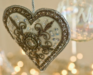 Heart and Home, ornament image via Art et Decoration as seen on linenandlavender.net