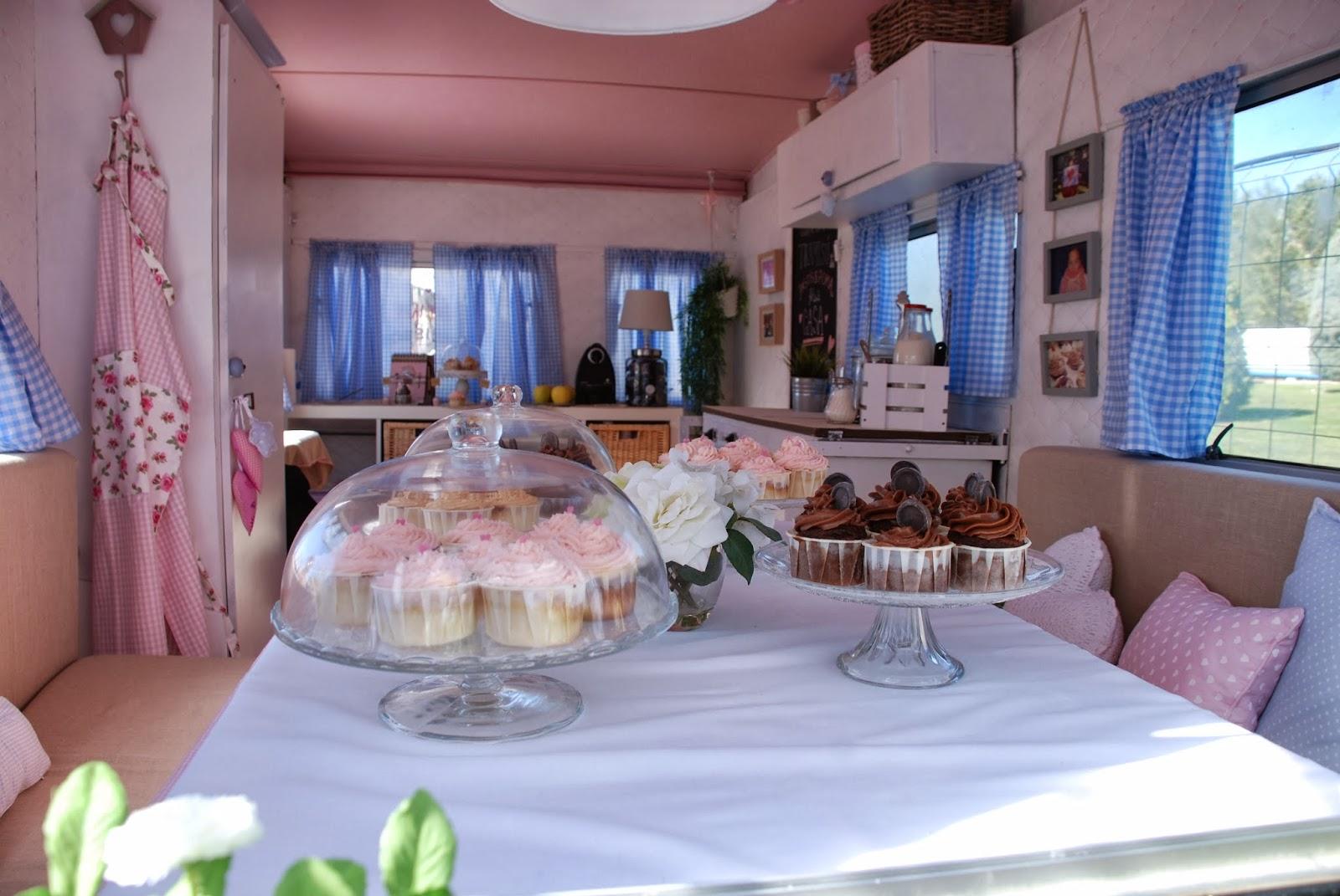 Mi hogar de patchwork caravana de cupcakes - Decoracion interior caravanas ...