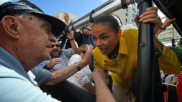 Marina pede votos por 2º turno: 'Com tempo igual a gente ganha da Dilma'
