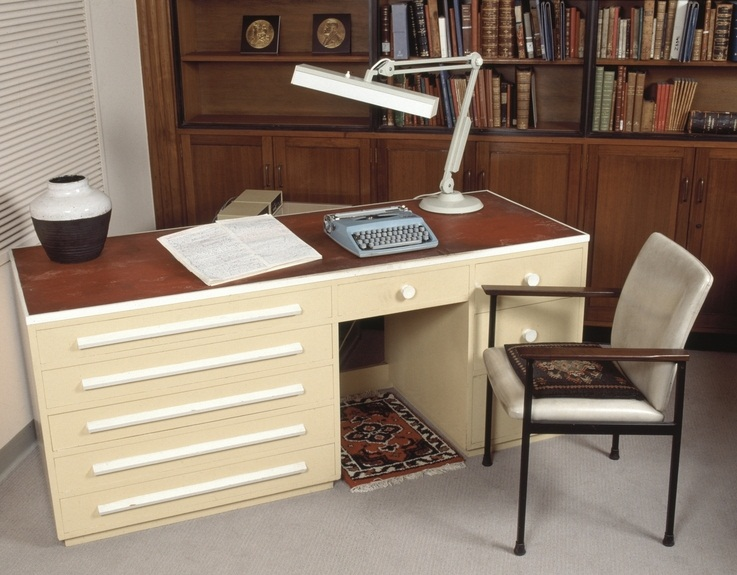 Patrick Whiteu0027s Desk Was Built In 1947 By Cabinet Maker Kenneth John  Jackson Of Jim Jackson And Sons, 45 Victoria Road, Parramatta, Sydney.