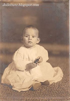 Unknown baby in collection from Violetta Davis Ryan, Mary Frances Jollett Davis, Velma Davis Woodring