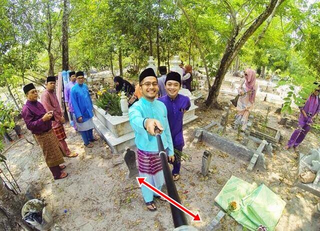 Haram perbutan selfie di kubur