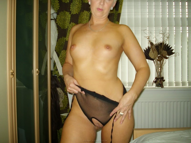 Chico California Hot blonde milf with short hair