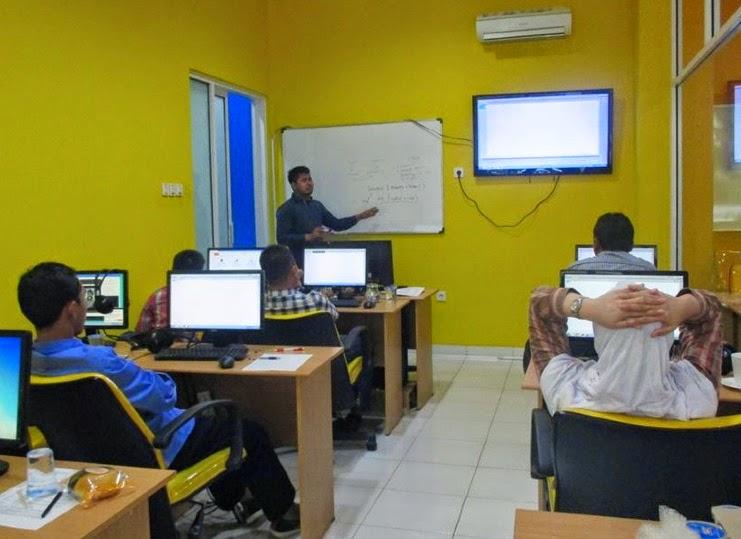 Suasana Belajar di Dumet School