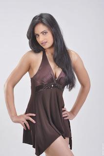 Actress-Ritu-Kaur-Hot-Photos_actressphotoszone.blogspot.com_22.jpg