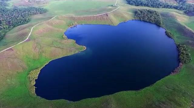 Danau Emfotte Papua