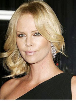 charlize300400 2012 Golden Globes Hottest Hair Trends
