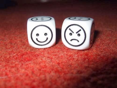 Happy-Angry face - فوائد الضحك والغضب لجسم الإنسان - وجه غاضب ضاحك عابس سعيد