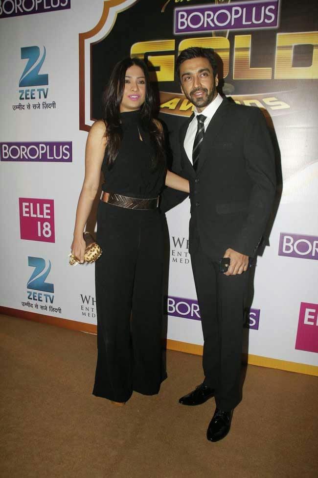 Aashish Chaudhary with Samita at 7th Zee Gold Awards 2014