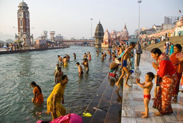 India - Bagno nel gange malattie ...