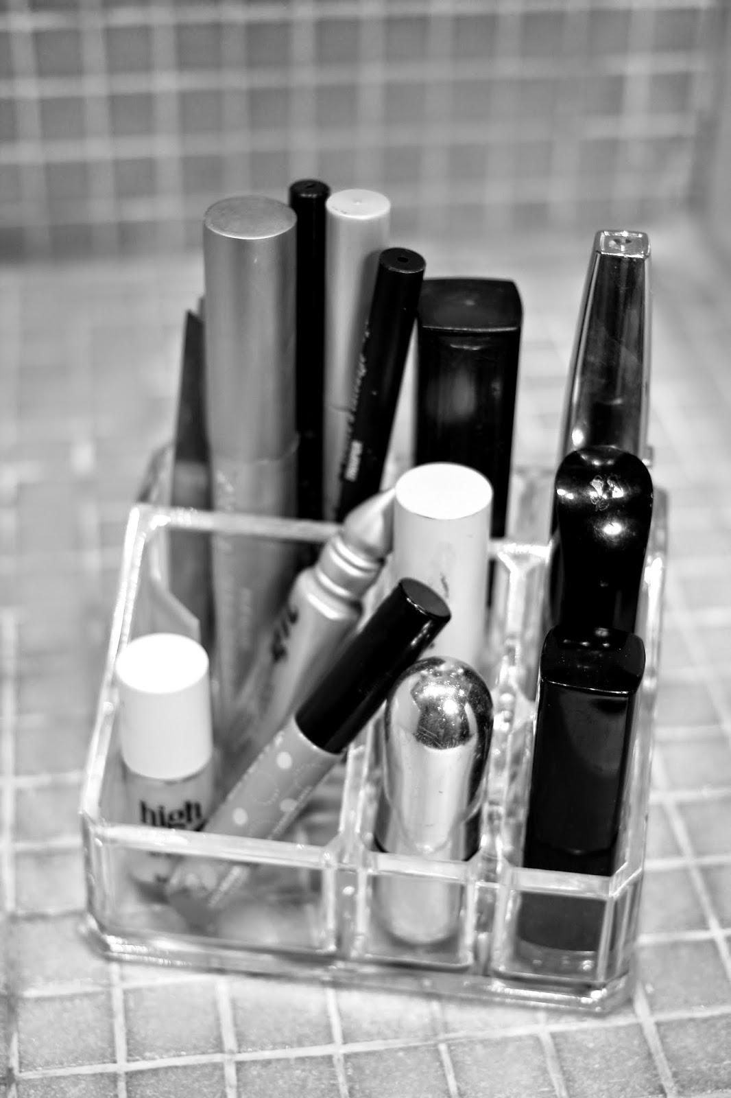 makeup storage, makeup organisation