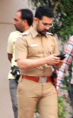 Aamir Khan has donned the khaki for director Reema Kagti's next ...