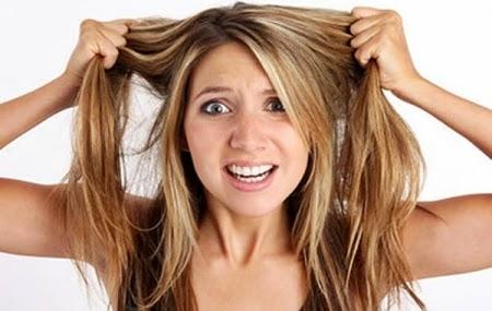 Saiba como acabar com a oleosidade dos cabelos independente do tipo